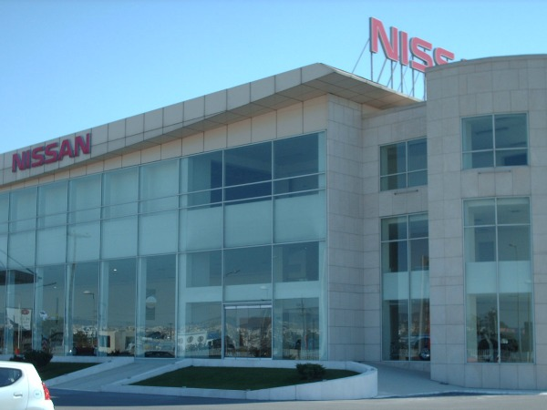 NISSAN WORKSHOP AND SHOWROOM IN THESSALONIKI